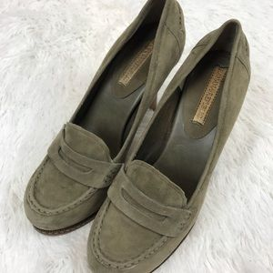 Banana Republic Green Suede Penny Loafer Heels 9M